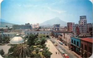 Plaza Zaragoza y centro de Mty. aprox. 1960