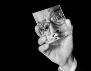Mordzinsky exhibe 200 retratos de escritores