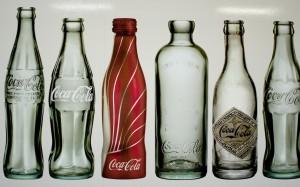 Botellas de Coca Cola al paso de los años