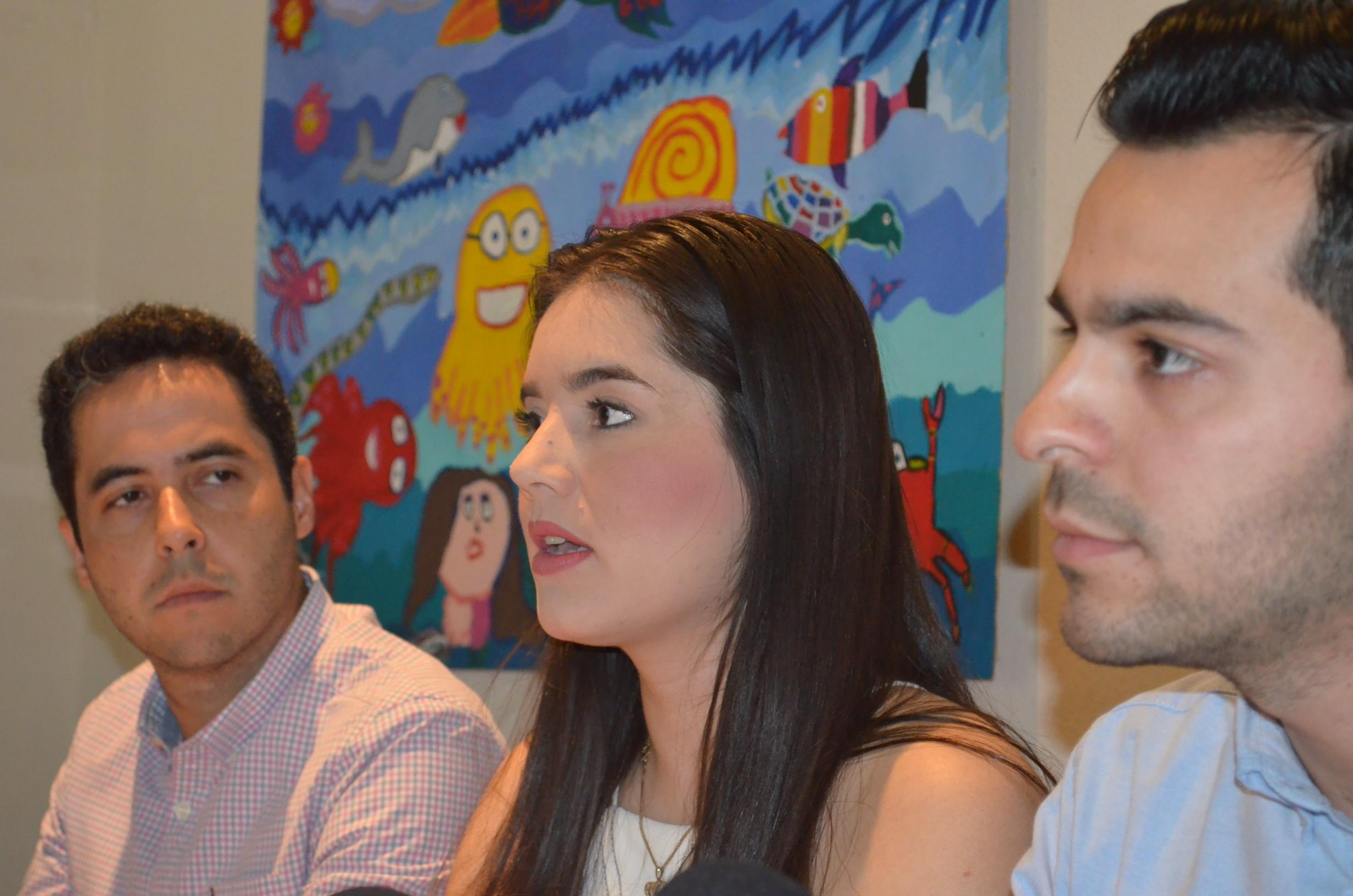 Miembros del CIJ manifiestan que los eventos en favor del sector empresarial son apartidistas. Fotografía: Gabriela Sánchez