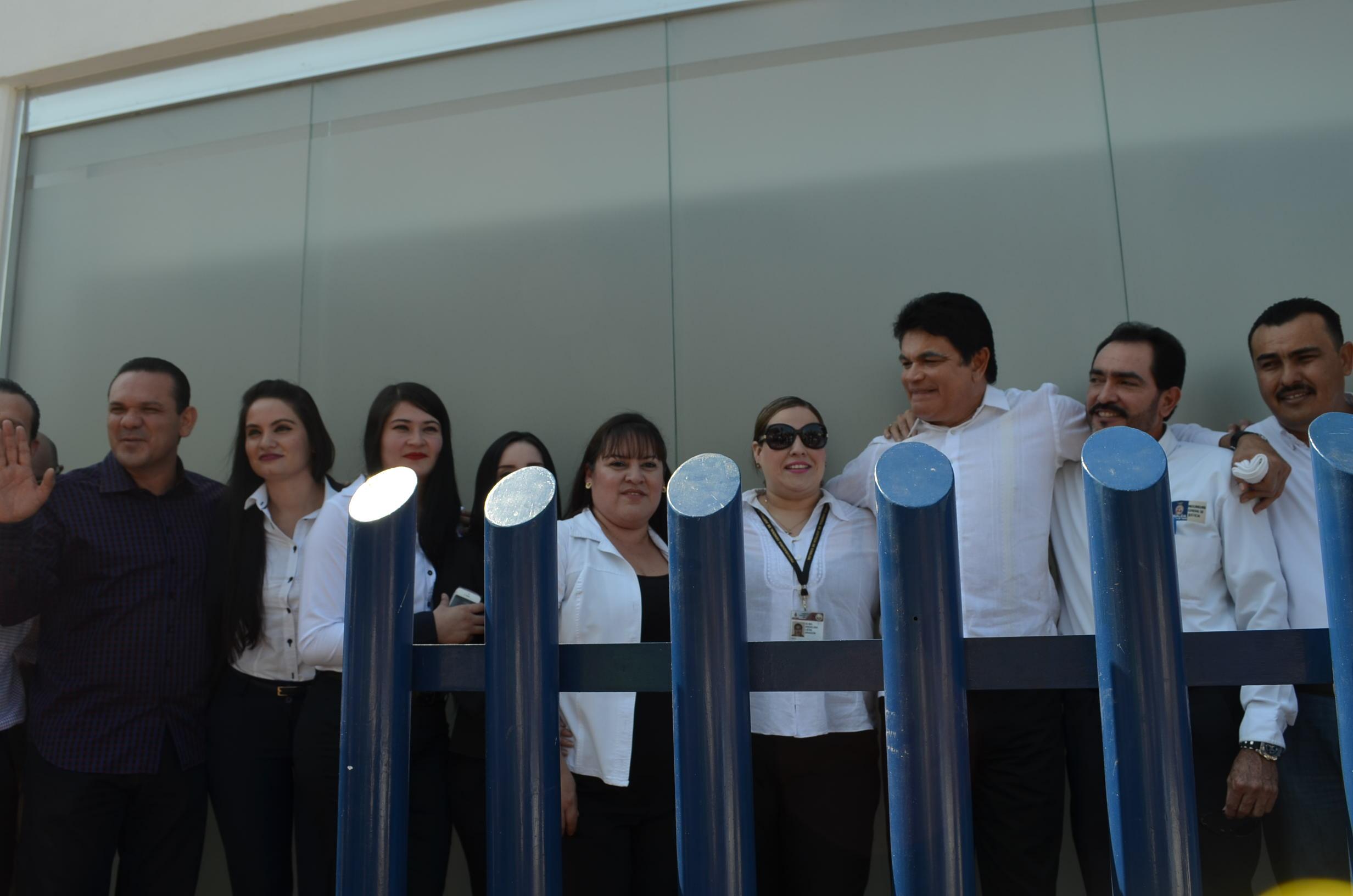 Sergio Torres en compañía del gobernador. Fotografía: Gabriela Sánchez