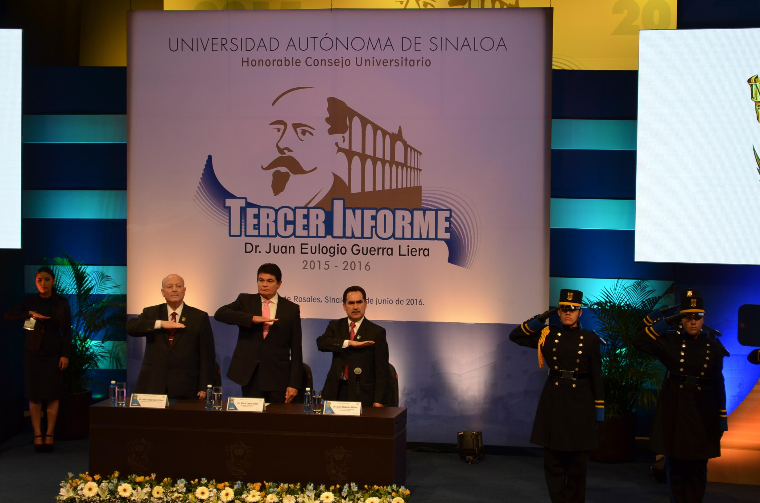 Rector, gobernador del estado y miembro del consejo de UAS. Fotografía: Gabriela Sánchez