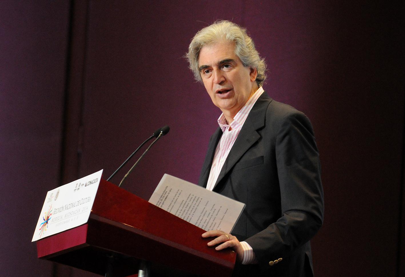 Muere el secretario de Cultura Rafael Tovar y de Teresa