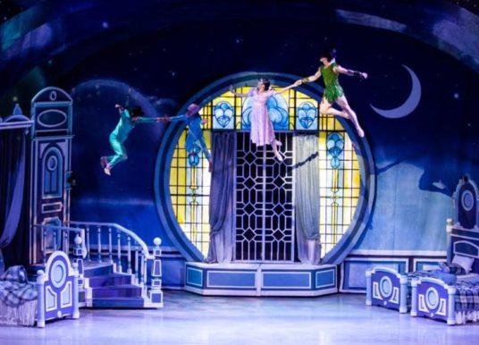 Conquista Peter Pan a audiencia regia